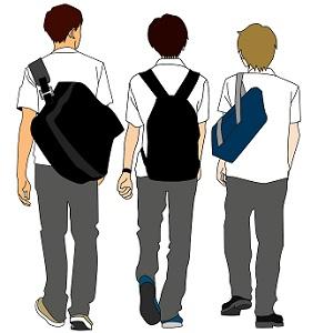 男子高校生たちの後ろ姿